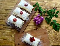 Печенье заполненное с взбитой сливк Стоковые Изображения RF
