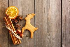Печенье оленей gingerbread рождества домодельное Стоковое Изображение RF