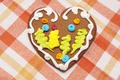 Печенье пряника в форме сердца Стоковые Фотографии RF