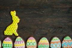 Печенье пряника в форме яичек цвета Стоковая Фотография