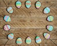 Печенье пряника в форме яичек цвета Стоковое фото RF