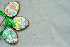 Печенье пряника в форме яичек цвета Стоковые Изображения