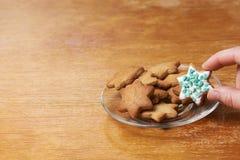 Печенье пряника помадка десерта украшение Белая полива Стоковые Изображения RF
