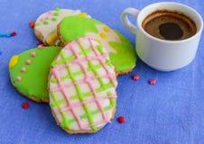 Печенье пряника праздника в форме яичка Стоковое Фото