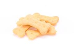 Печенье собачьей еды сформированное как косточки Стоковые Изображения