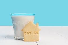 Печенье с ЕСТ МЕНЯ знак Стоковые Фото