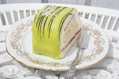Печенье с зелеными марципаном и сливк Стоковое Фото