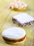Печенье Alfajor, типичный перуанский десерт Стоковые Изображения RF