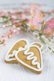 Печенье gingerbread Валентайн формы сердца Стоковое Фото