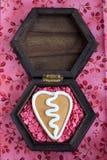 Печенье gingerbread Валентайн формы сердца Стоковая Фотография RF