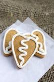 Печенье gingerbread формы сердца на sacking Стоковое фото RF