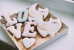 Печенья в коробке на день ` s валентинки Стоковая Фотография RF