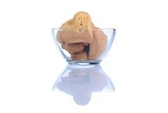 Печенья в форме изолированного сердца к дню валентинки Стоковые Изображения RF