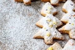 Печенья в форме рождественской елки Стоковые Фото