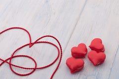 Печенья в форме сердец на день ` s валентинки Стоковые Фото