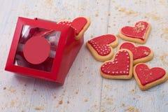 Печенья в форме сердец на день ` s валентинки Стоковое фото RF