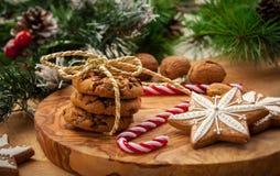 Печенья гайки и шоколада рождества Стоковое Изображение RF