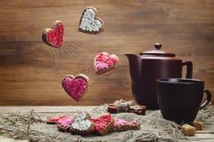 Печенья летания в формах сердец Стоковая Фотография RF