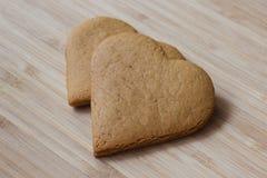 Печенья имбиря на деревянной предпосылке Стоковое Фото