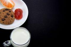 Печенья и варенье клубники Стоковая Фотография