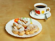Печенья и горячая чашка кофе с сахаром Стоковое фото RF