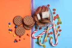 Печенья и конфеты обломока шоколада Стоковое Фото