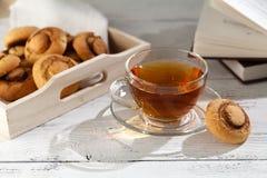 Печенья и чашка чаю snickerdoodles тыквы Стоковые Фото