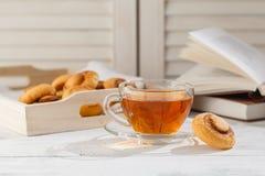Печенья и чашка чаю snickerdoodles тыквы Стоковое Изображение