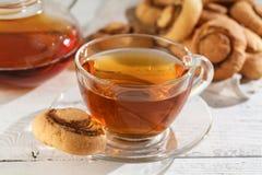 Печенья и чашка чаю snickerdoodles тыквы Стоковая Фотография
