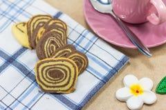 Печенья крена на ткани Стоковые Фотографии RF
