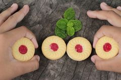 Печенья клубники очень вкусный на деревянной предпосылке Стоковая Фотография RF