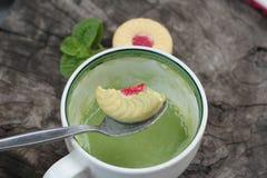 Печенья клубники с зеленым чаем очень вкусный Стоковое фото RF