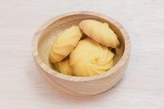 Печенья масла в деревянном шаре Стоковые Изображения RF