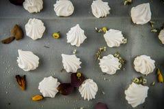 Печенья меренги с лепестками Стоковое Изображение RF