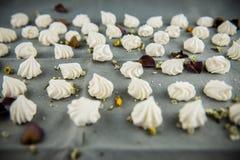 Печенья меренги с лепестками Стоковые Изображения RF