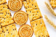 Печенья на белизне 2 шипа пшеницы Взгляд сверху Стоковое Фото