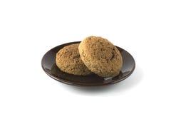 2 печенья на блюде изолированном на белизне Стоковое Изображение RF