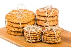 Печенья на деревянной доске Стоковое Изображение RF