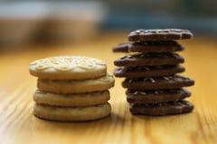 Печенья на кухонном столе Стоковое фото RF