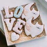 Печенья дня ` s валентинки в коробке Стоковая Фотография