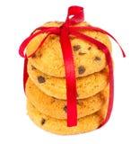 Печенья обломоков шоколада с красной тесемкой Стоковые Фотографии RF