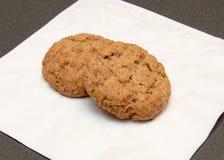 Печенья овсяной каши на салфетке Стоковые Фотографии RF