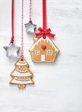 Печенья дома и дерева пряника рождества Стоковые Изображения