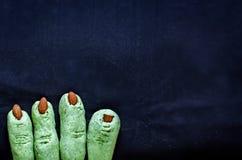 Печенья пальцев ведьмы хеллоуина Стоковая Фотография