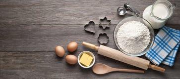 Печенья печь деревянную предпосылку Стоковые Фотографии RF