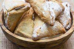 Печенья праздника Purim, наполненные шоколад печенья Ozne Haman в Hebrew Уши Haman Стоковые Изображения RF