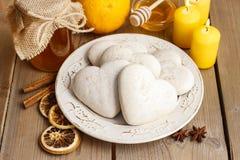 Печенья пряника в форме сердца Стоковые Фотографии RF
