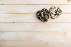 2 печенья пряника в форме сердца Стоковые Изображения