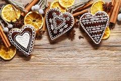 Печенья пряника в форме сердца, Стоковая Фотография
