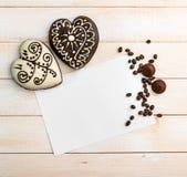 2 печенья пряника в форме сердца Стоковое Изображение
